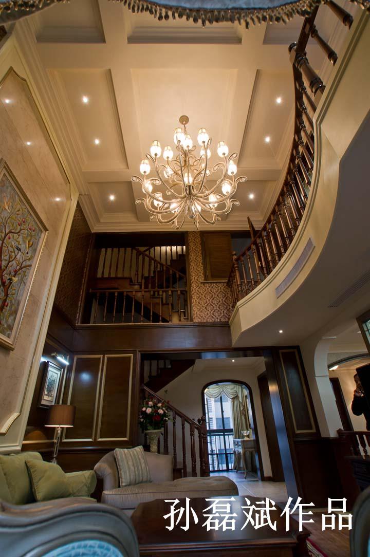 户型特点:公寓复式 装修风格:简欧风格 材料说明:墙纸,实木护墙板图片