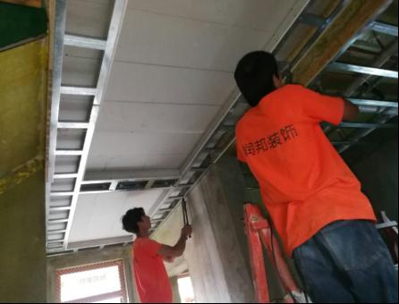 木工吊顶施工轻钢龙骨工艺规范